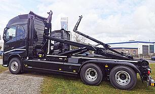 VDL Abrollkipper S21-6200 auf Volvo Fahrgestell - seitlich, gekippt