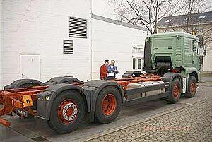Übernahme des Chassis und Kontrolle der Ausstattung und Ausrüstung